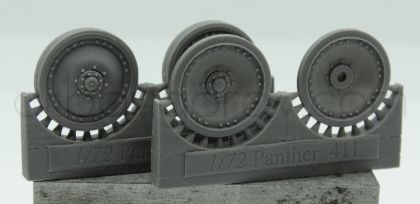 1/72 Wheels for Pz.V Panther, with 8 groups of 3 bolts