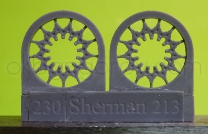 1/72 Sprockets for M4 family, VVSS D47366A, casting
