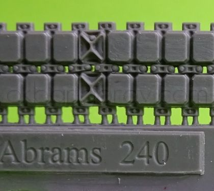 1/72 Tracks for M1 Abrams, T158 with ice cleats