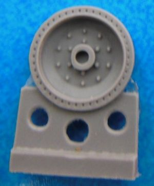 1/72 Wheels for T-34,10 bolts, late production, bandage with 42 apertures