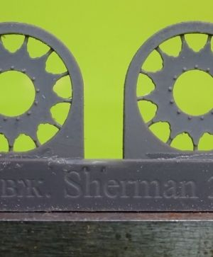 1/72 Sprockets for M4 family, HVSS D47366 economy